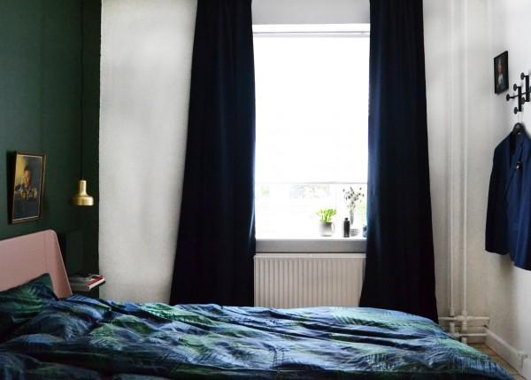 auping-bedroom-svevaerelse-palmgrove-palms-sengetøj-palme-bedcover-linnien-brass-pendant-indretning