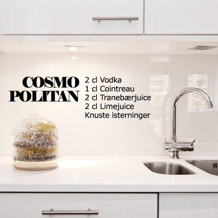 cosmopolitan-opskrift-drinks-cocktails-wallsticker-opskrift-pc3a5-vc3a6ggen-skrift-pc3a5-vc3a6ggen-boligcious-dekoration-udsmykning-indrening2