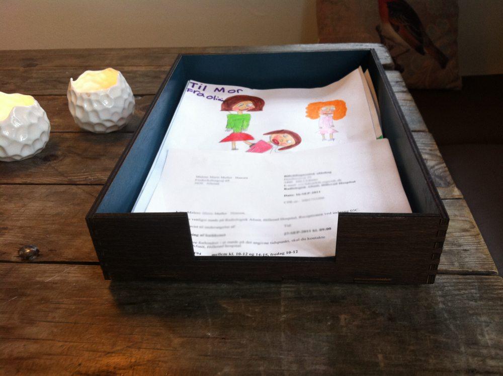 brevbakke-ferm-living-boligcilus-interic3b8r-brevbakke-kontor-indretning-boligindretning-design-opbevaring-papir2