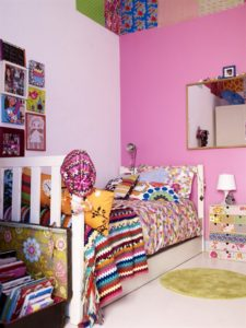 childrens-room-childs-room-with-pink-wall-and-bright-furnishings-923-ikea-living-bc3b8rnevc3a6relse-indretning-interic3b8r-bolig