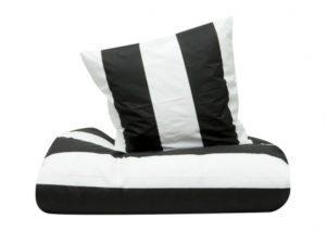 ilva-sengesc3a6t-sort-og-hvidt-stiber-sengetc3b8j-indretning-interic3b8r-bolig-boligindretning-boligcious-design-tekstil-sovevc3
