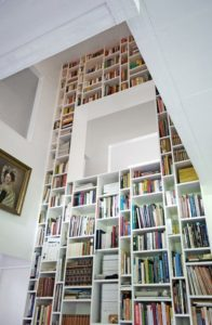 Bøger i indretningen