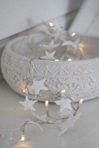 pynt-jul-julepynt-dekoration-hvid-indretning-julebolig-bolig-home-decor-chrsitmas-decorating-deer