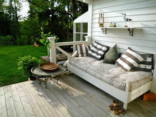 haven-indretning-terrasse-baenk-havemoebler