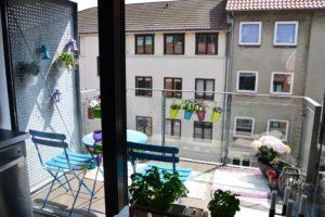 altanmakeover-indretning-bolig-altan-have-cafebord