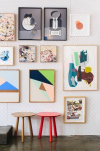 billedvaeg-indretning-stue-rammer-bolig-interior