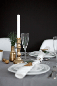 table-setting-christmas