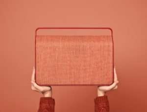 boligcious-interior-design-indretning-home-decor-hoejtaler-baerbar-speaker-vifa-copenhagen-red