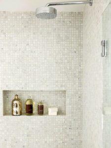 boligcious-indretning-design-bad-home-interior-brusebad-klinker-hylde