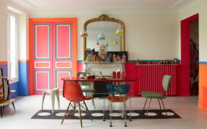 Vild lejlighed midt i Paris' bohemekvarter Canal Saint-Martin