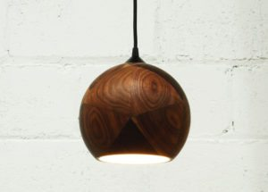 boligcious-interior-design-home-decor-indretning-lampe-valnoed-trae-thendc_darkstormylight_05