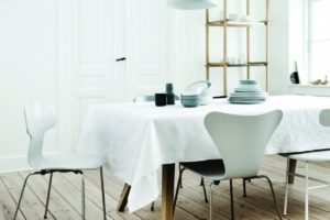 arne-jacobsen_tablecloth_white