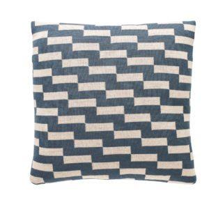 fuss-pillow-a18-petrol-42x42cm-72dpi-1