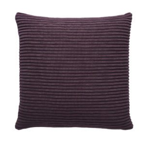 fuss-pillow-a20-purple-42x42cm-72dpi
