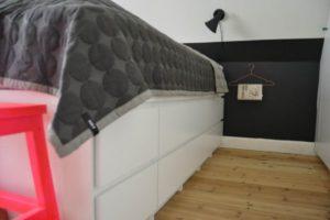 makeover-bedroom-soveveaerelse-indretning-bolig-hay-kommode-diy-seng-600x400