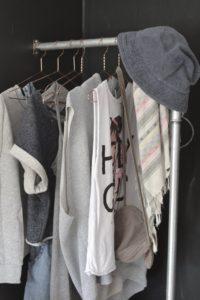 teenager-fashion-teenroom-room-indretning-clothesstorage-toejstativ-vandror