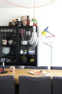 spisestue-koekken-indretning-vitrine