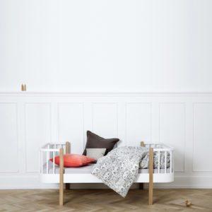 wood_junior_bed_oak_aprilandmaymini