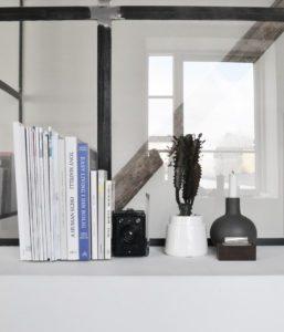 indretning-stilleben-magasinholder