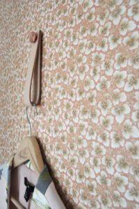 vintage-wallpaper-tapet-retro-stropp-bylassen-hanger-coathanger