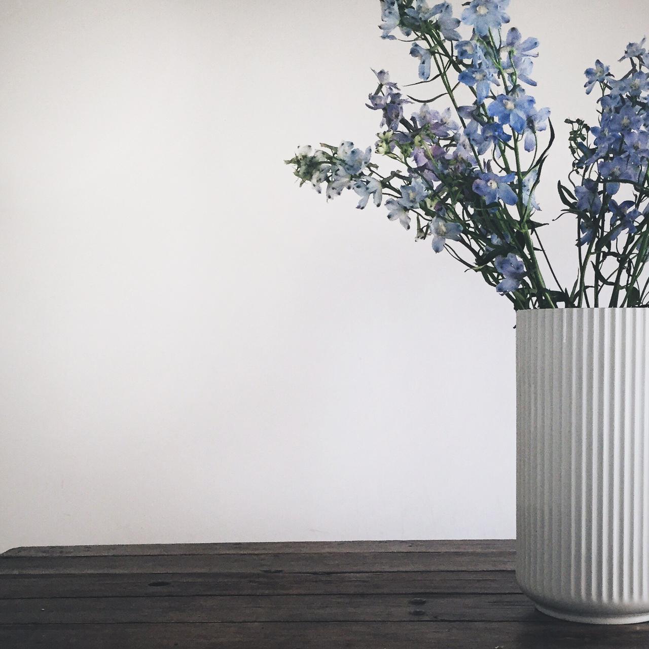 lyngbyporcelaen-lyngbyporcelain-lyngvase-lyngvasen-vase-buket-blomster-morsdag-danishdesign