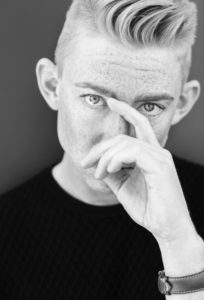 INTERVIEW: TÆT PÅ EMIL THORUP OG HANDVÄRK