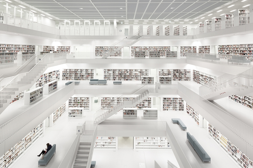 photo-bibliothek-stuttgart-with-woman-bernhard-hartmann