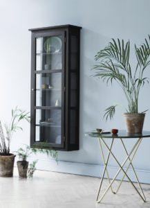 lindebjerg-n4-dark-oak-vitrine-vaeghaengt-vitrineskab-cabinet-glas-glascabinet