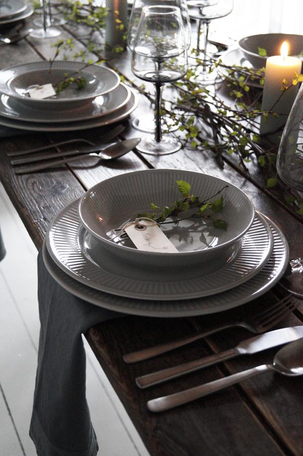 Boligcious dækker bord, der emmer af poesi og forår
