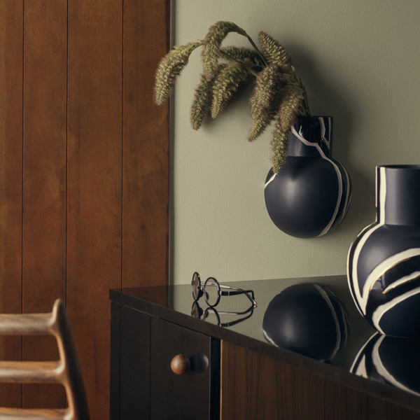 Fiora wall vase and vase midnight blue_low