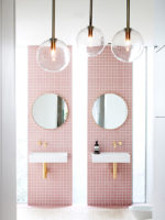 Eye Candy Alert: Pink bathroom!