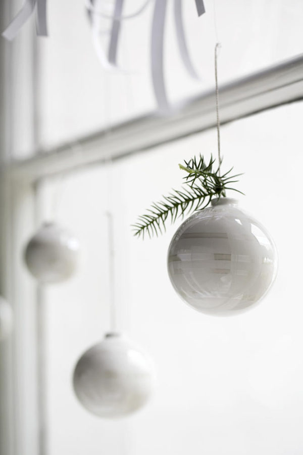 omaggio-christmas-baubles-closeup_low-resolution-jpg_312058