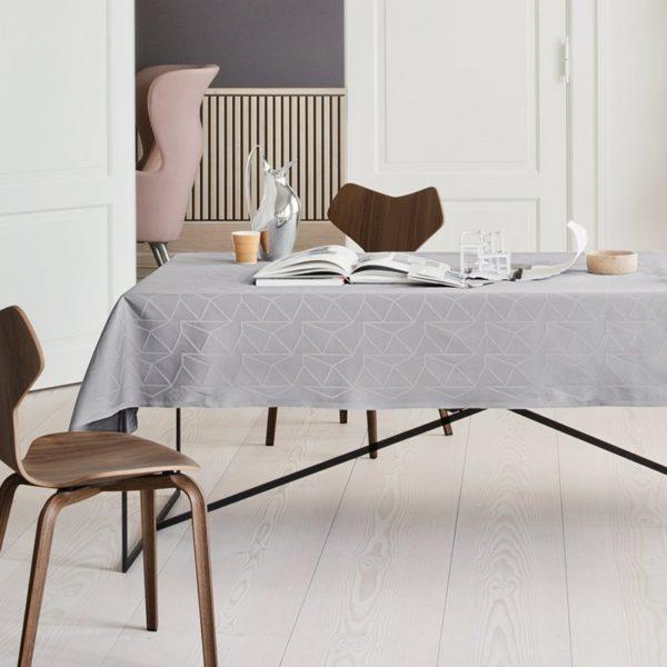 arne_jacobsen_tablecloth_opal_grey1
