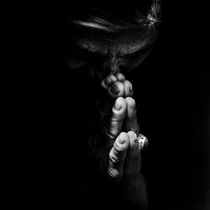 Hænder rør noget i mig…