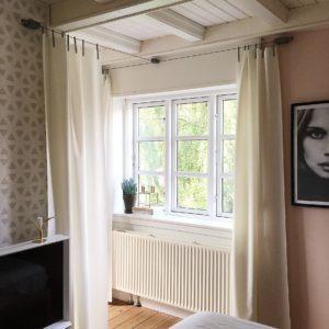 Soveværelse med Ready Made Curtain fra Kvadrat