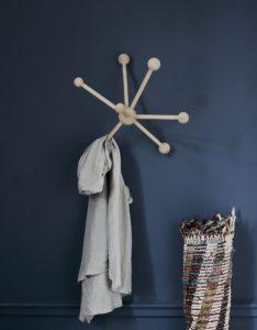 En flot og skulpturel knagerække