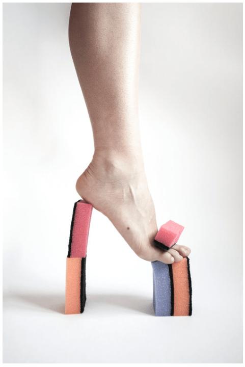 Fotokunst af Julie Bjarnhoff - Stilet lavet af skuresvampe