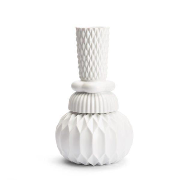 Keramik vase i hvid med smukt geometrisk mønster fra Finnsdottir