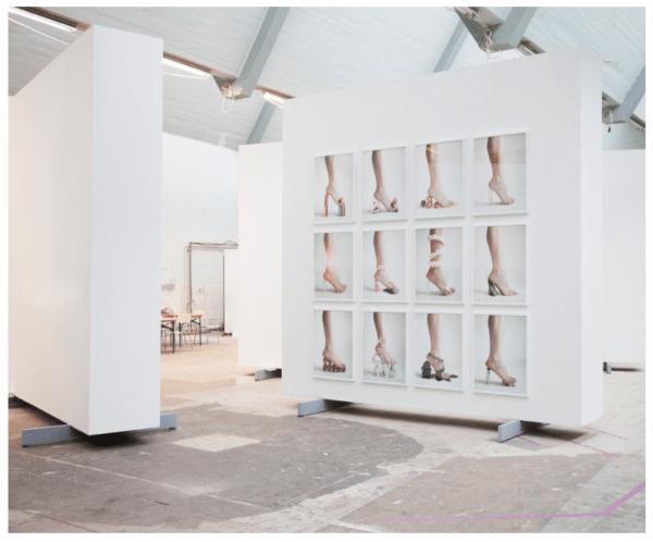 Fotoudstilling af Julie Bjarnhoff '12 shoes'